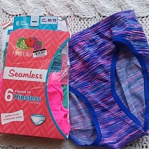 Girls hipsters  10/12 six pack underwear